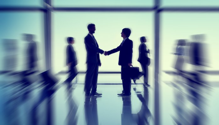 Tu cum îți motivezi angajații să rămână în companie? Iată 5 moduri în care îi poți motiva fără mărireasalariului
