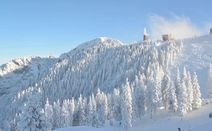 Încep pregătirile pentru sezonul de ski în PoianaBrașov