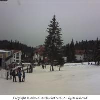 Am descoperit un webcam pe care vezi coada de la telegondola din Poiana Brașov în timp real