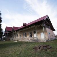 Rog autoritățile locale din Onești să aibă în vedere Clubul Copiilor