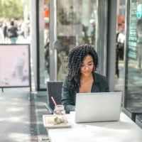 5 secrete pentru a fi mai vizibil pe LinkedIn